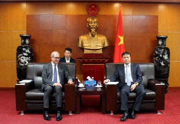 Thứ trưởng Bộ Công Thương Đỗ Thắng Hải tiếp và làm việc với Tổng giám đốc Tổ chức Cấm vũ khí hóa học (OPCW)